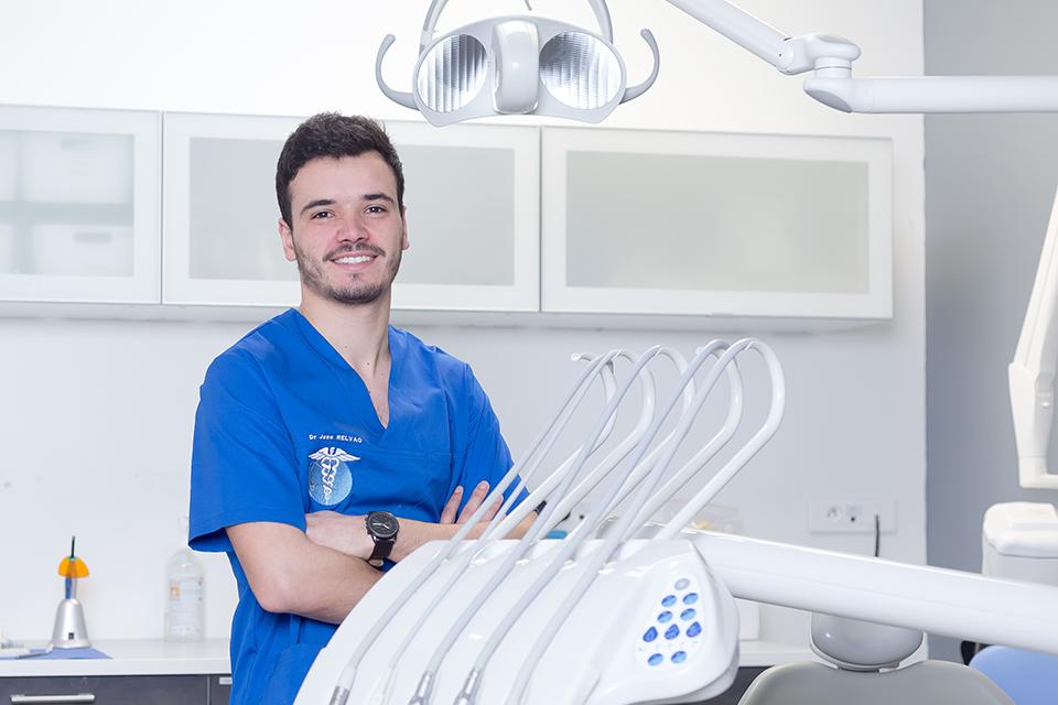Dr Jose Relvao - Dentiste Epinay sur Seine